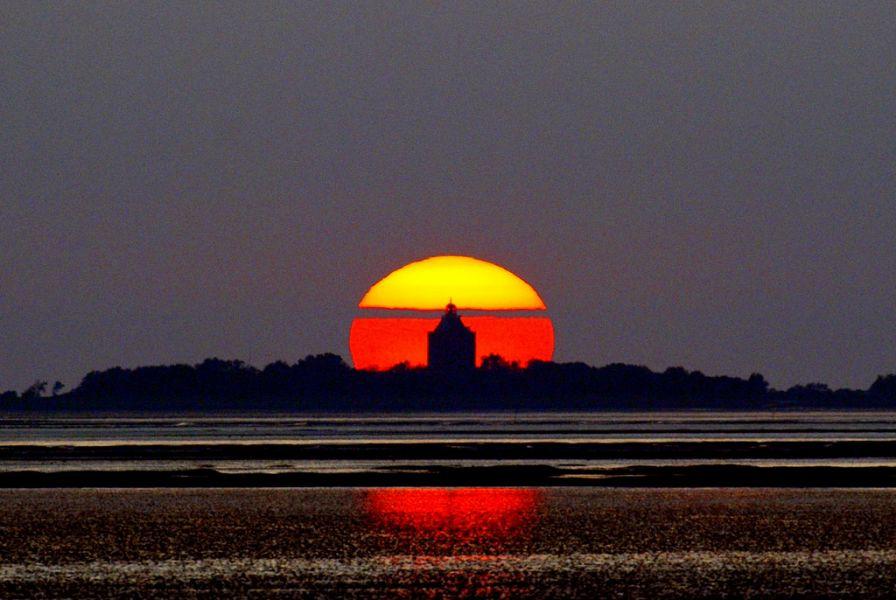 Neuwerk Island DR0F Divided Sun.