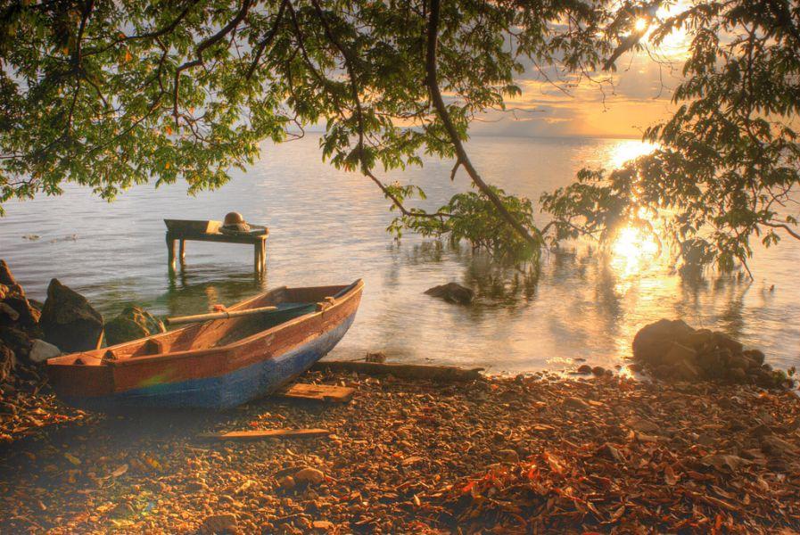 Nicaragua YN3/TG9IIN DX News Sunset on La Venada, Solentiname Islands.