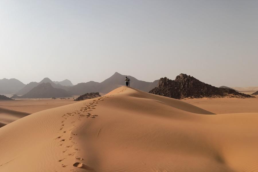 Niger 5U7RK Tourist attractions spot Tenere Desert.