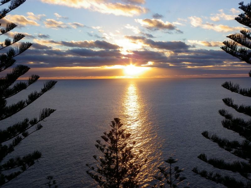 Norfolk Island VK9PAS DX News Sunset.
