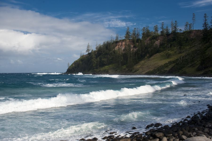 Norfolk Island VK9XIC DX News Ball Bay.
