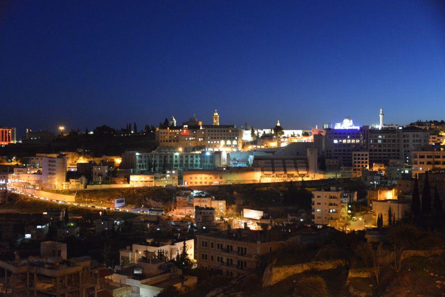 Палестина E44YL Вифлеем ночью.