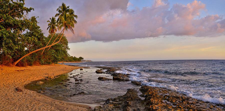 Puerto Rico WP3E DX News Playa Tres Palmas, Rincon.