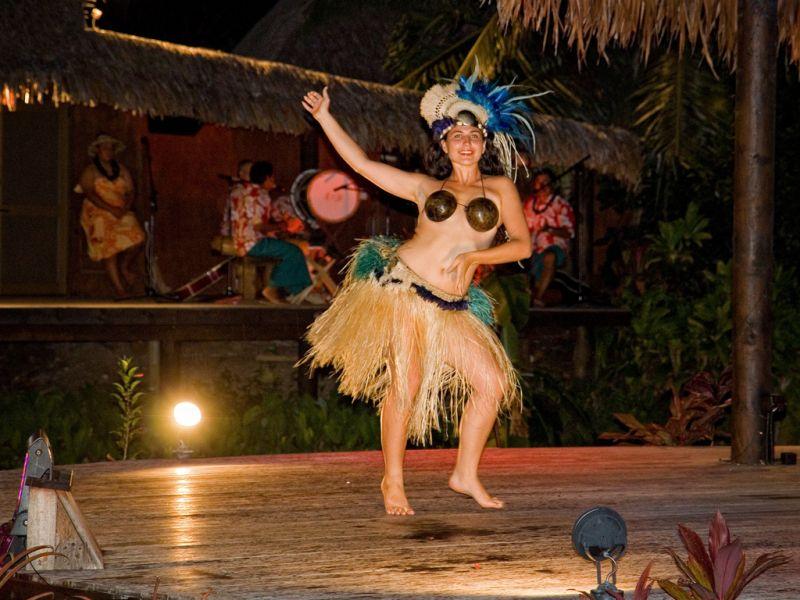 Rarotonga Island E51AQA Tourist attractions spot Te Vara Nui Village.