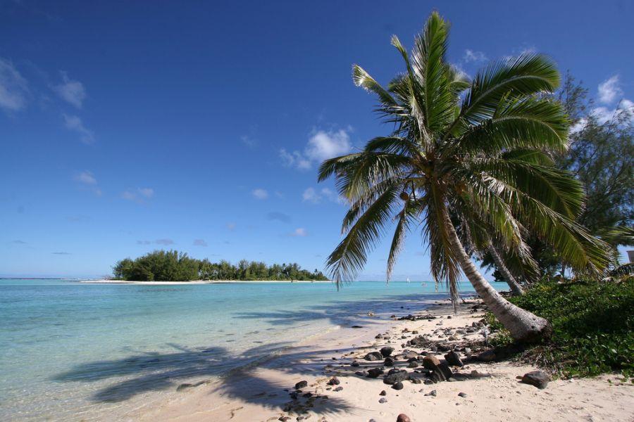 Rarotonga Island E51JNH Tourist attractions spot Muri Beach.