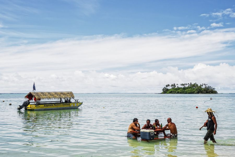 Rarotonga Island E51Q Cook Islands Tourist attractions spot Captain Tama's Lagoon Cruize.