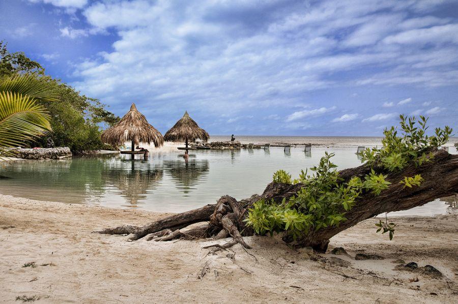 Roatan Island VE3VSM/HR9 Tourist attractions spot