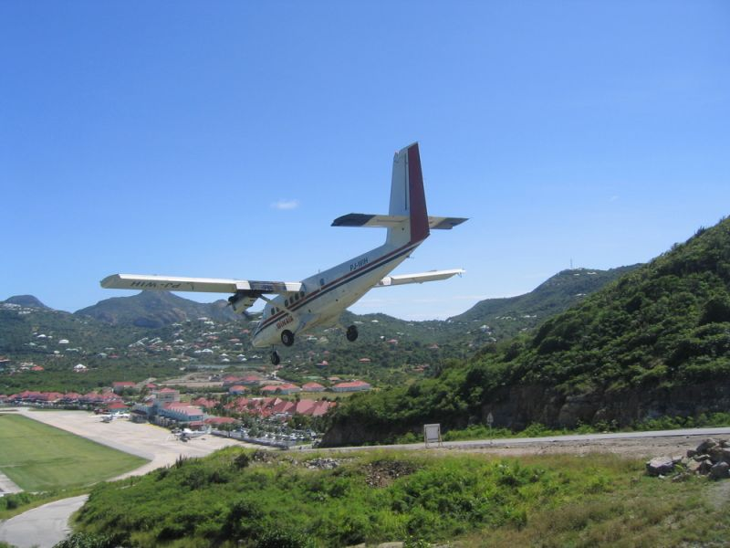 Saint Barthelemy Island TO2EE Dramatic Winair plane landing at St Barts airport