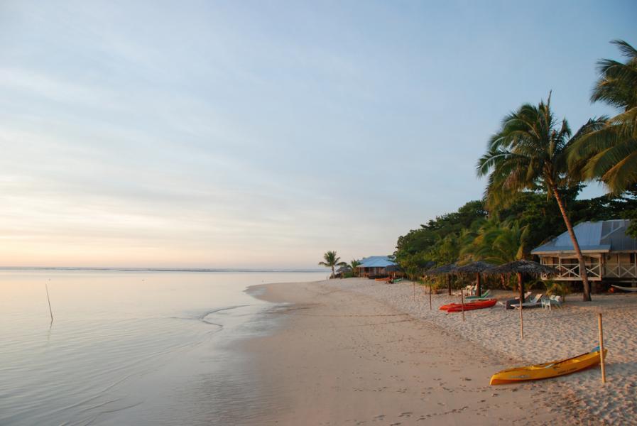Samoa 5W0DOI 5W0VC 5W9DX DX News Beach near Le Legoto.