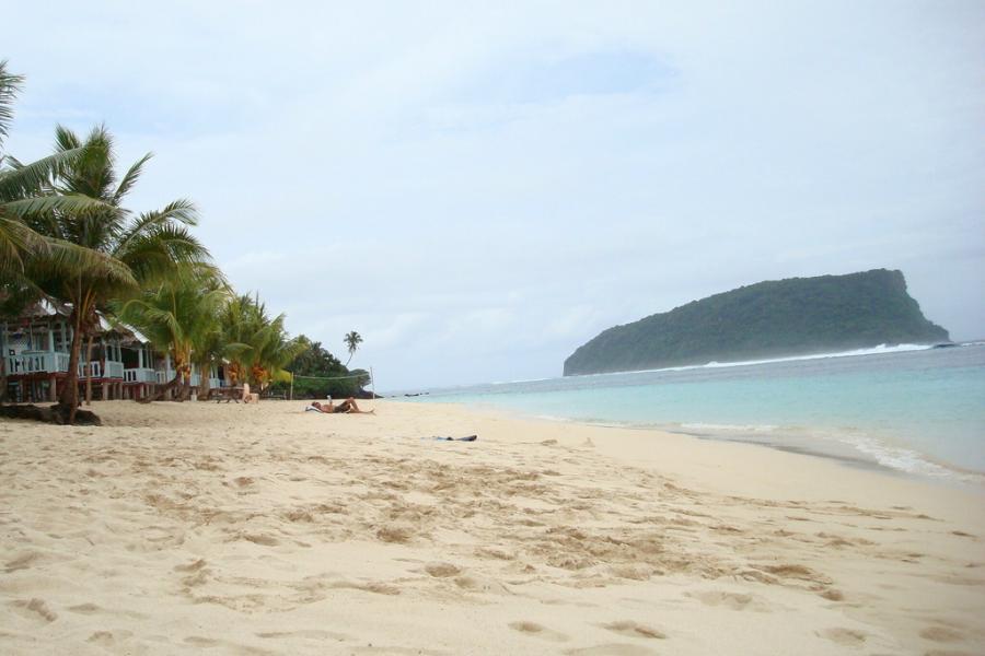 Samoa 5W0DOI 5W0VC 5W9DX Lalomanu Beach.