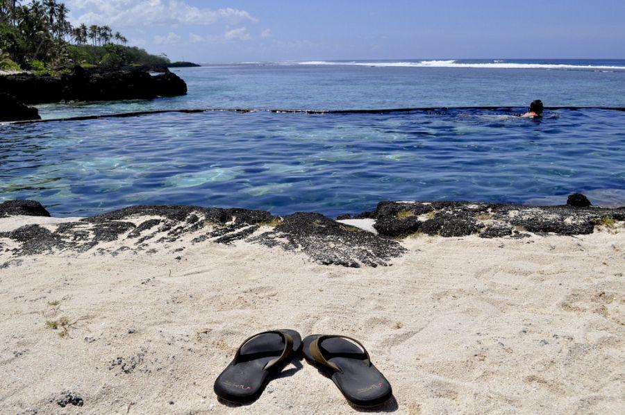 Samoa 5W0UO Sand of Samoa in Samoana resort.