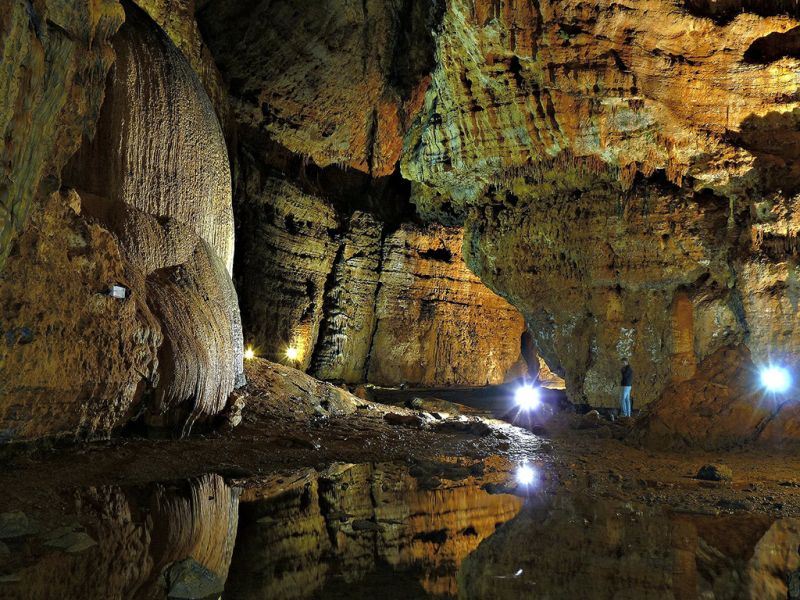 Sardinia Island IS0/DL6JF Tourist attractions spot Caves of Ulassai.