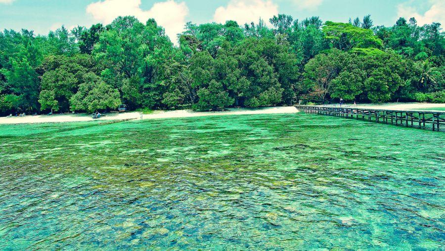 Seribu Islands YF1AR/0 Tourist attractions spot
