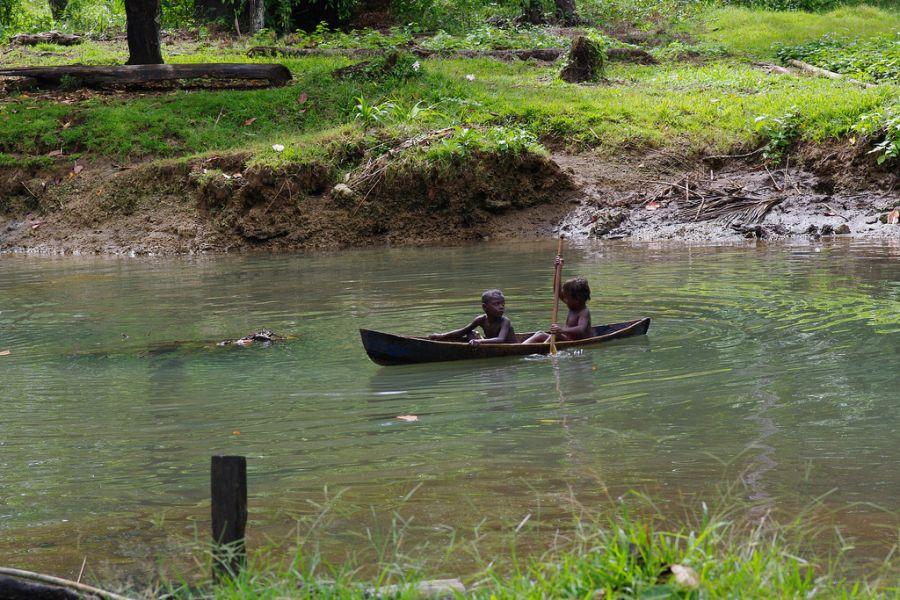 Соломоновы острова H44RR Туристические достопримечательности Остров Гуадалканал Остров Мунда.