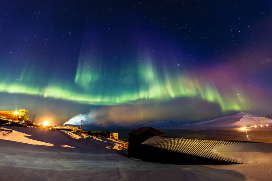 Spitsbergen Island JW7VRA Tourist attractions spot Aurora Northern lights