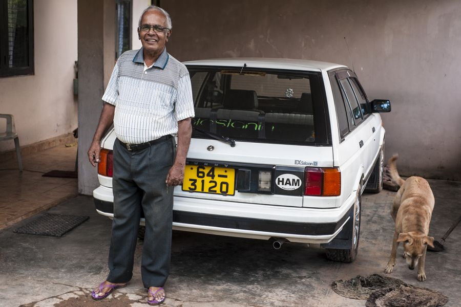 Sri Lanka 4S7NE Nelson in the front of his house
