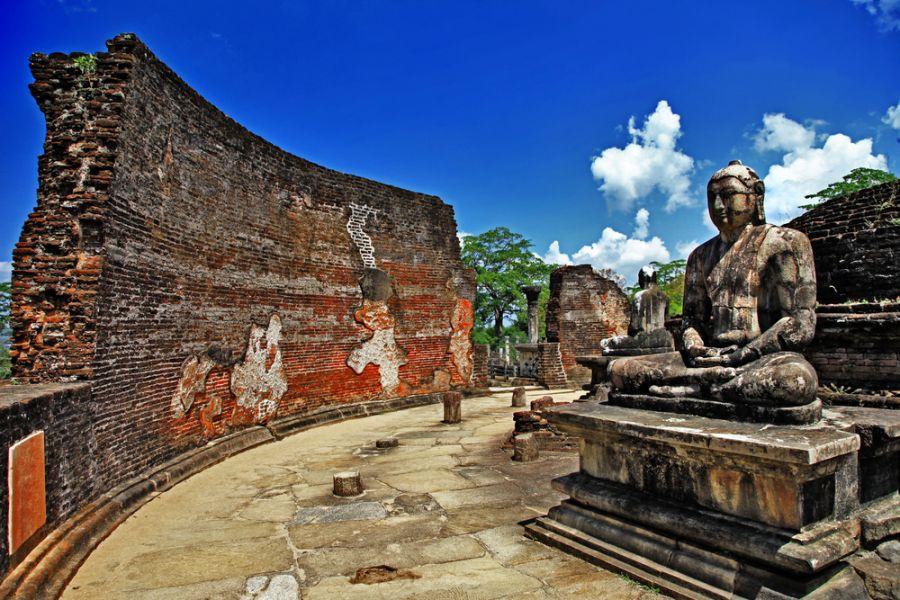 Sri Lanka 4S7SAE Buddha in Polonnaruwa temple.