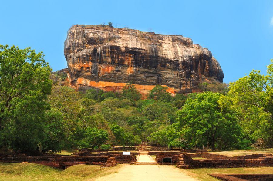 Шри Ланка 4S7YSG Туристические достопримечательности Знаменитая Сигирия Львиная скала