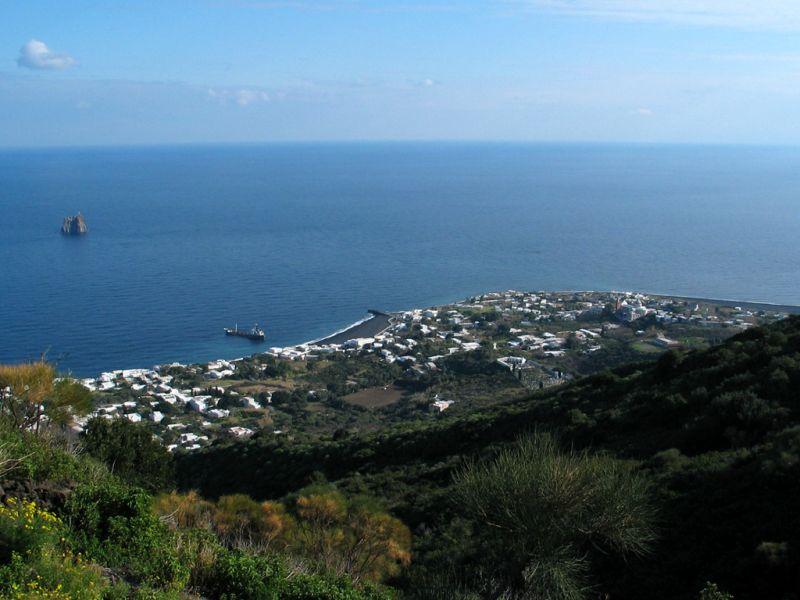 Stromboli Island II9ST DX News
