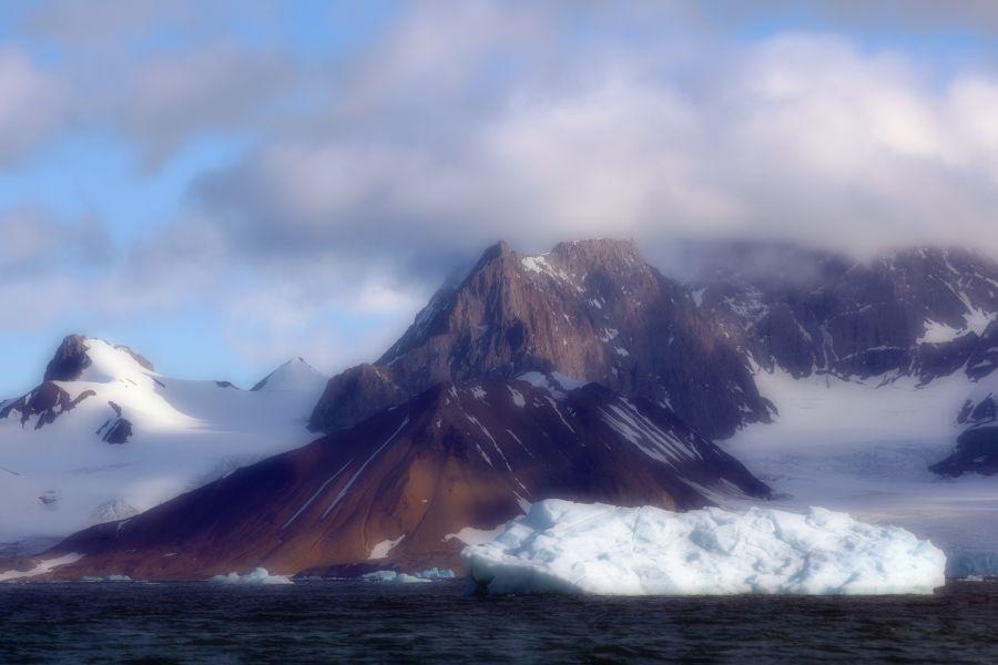 Svalbard JW/SM7RYR DX News