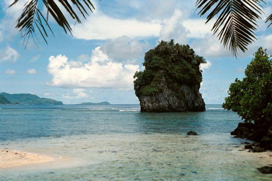 Tutuila Island American Samoa KH8/KC0W Futi Rock, near Fatumafuti.