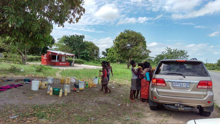 Мапуту Мозамбик Придорожная торговля