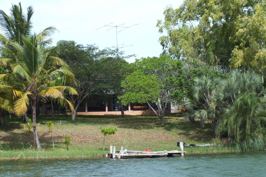 Мозамбик Общий вид на наш участок с воды