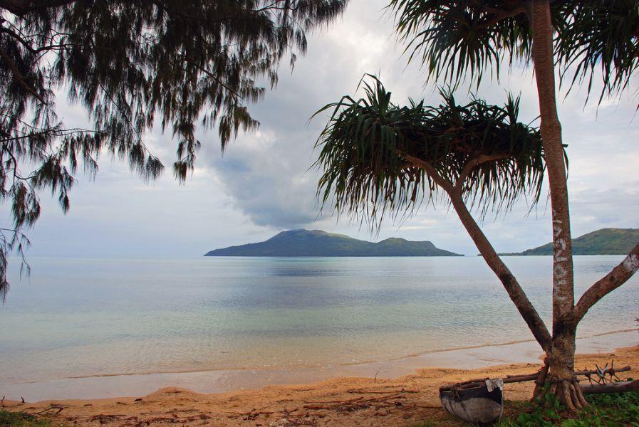 Vanuatu YJ0CS Paonangisi Beach, Efate Island.