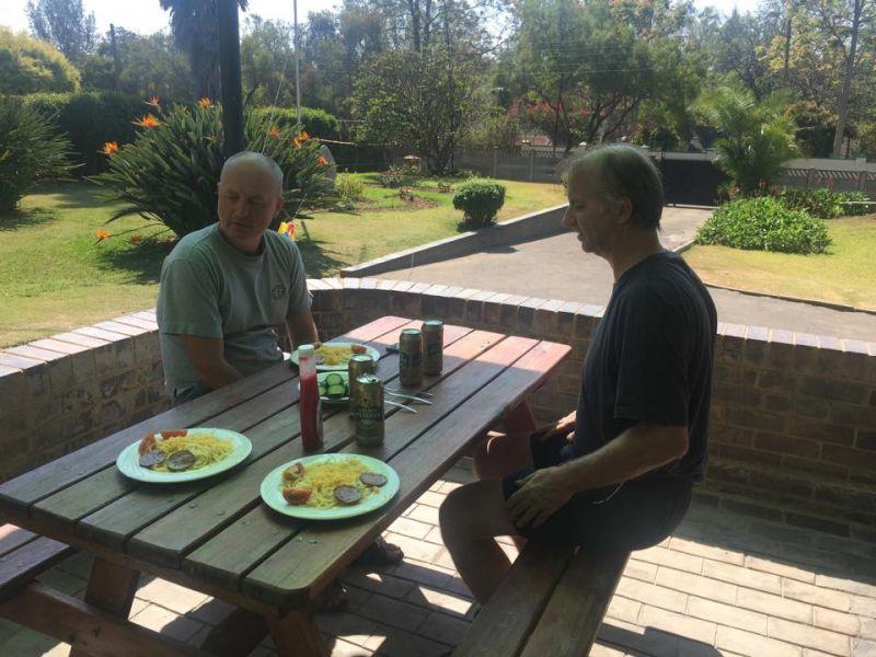 Zimbabwe Z21MG Lunch