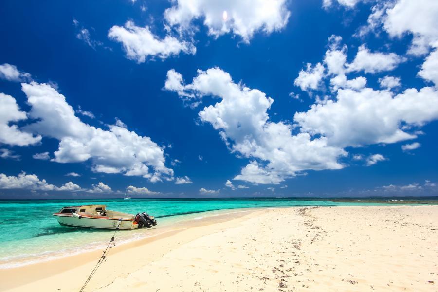 Anguilla Island VP2ESM VP2EHC DX News