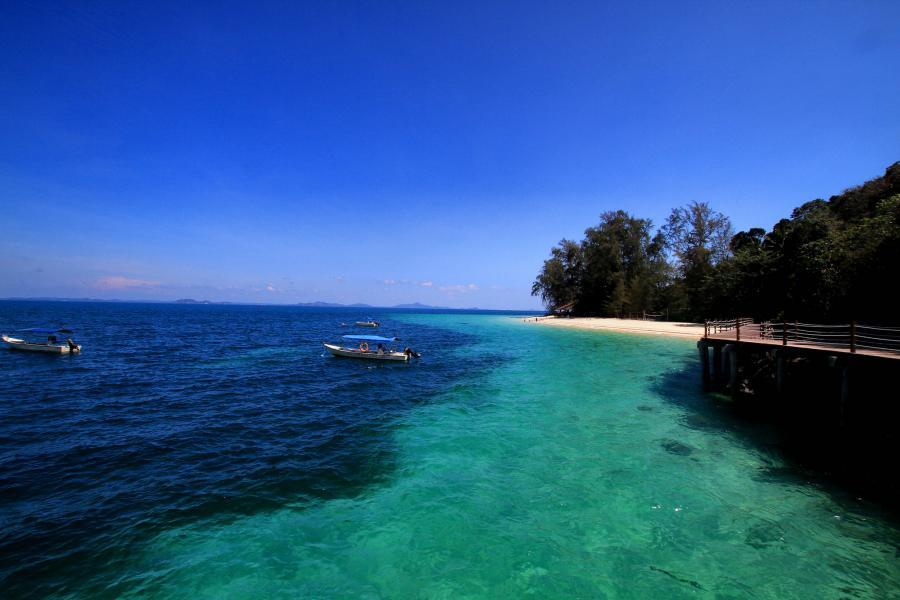 Babi Tengah Island 9M2/R6AF/P Batu Batu Resort