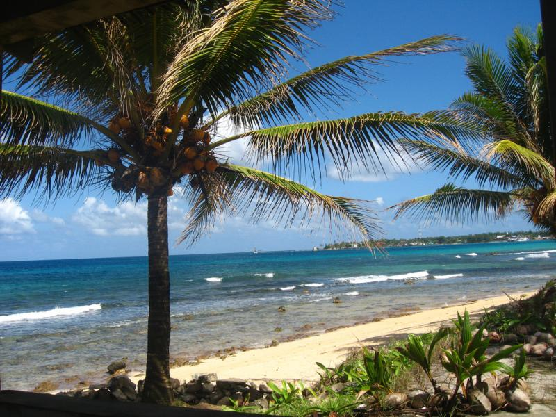 Big Corn Island H74B H74W DX News La Princesa de la Island Resort.