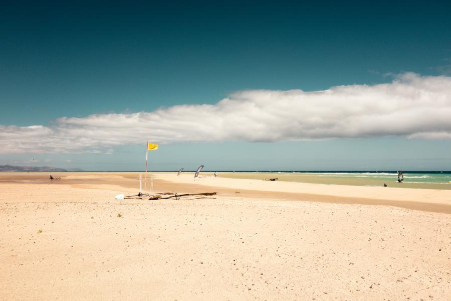 Канарские острова ED8X DX Новости Желтый флаг