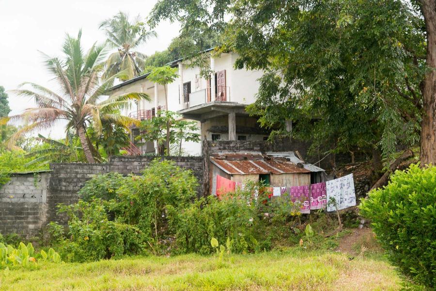 Comoro Islands D66D Image 1