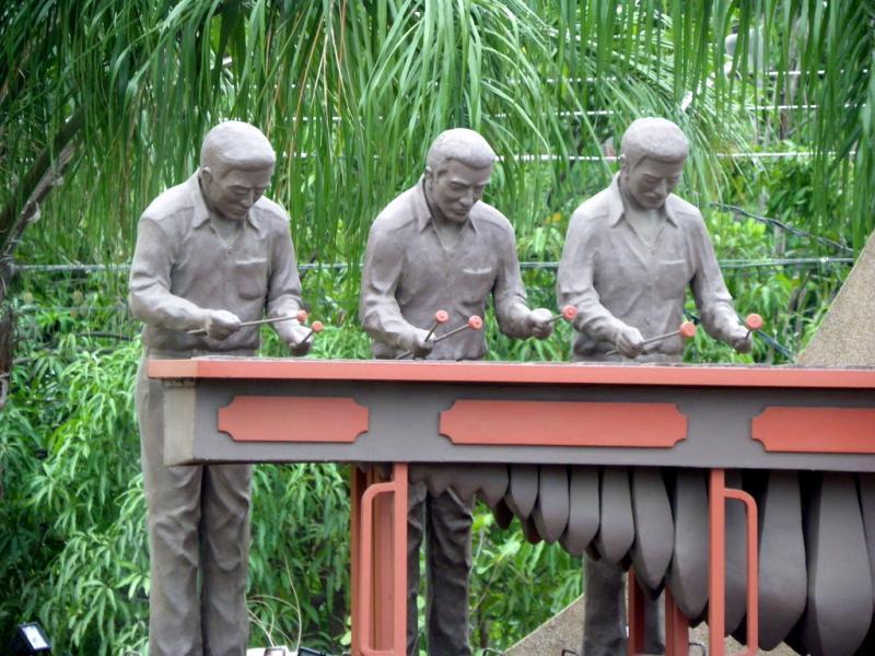 Costa Rica TI2/KM4HI Marimba monument