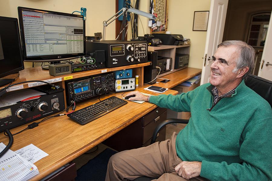 CT4NH Portugal Radio Room Shack