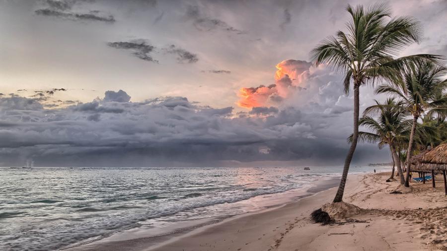 Доминиканская Республика HI3AA Восход Пляж у Гран Бахиа Принсипе Ресорт.