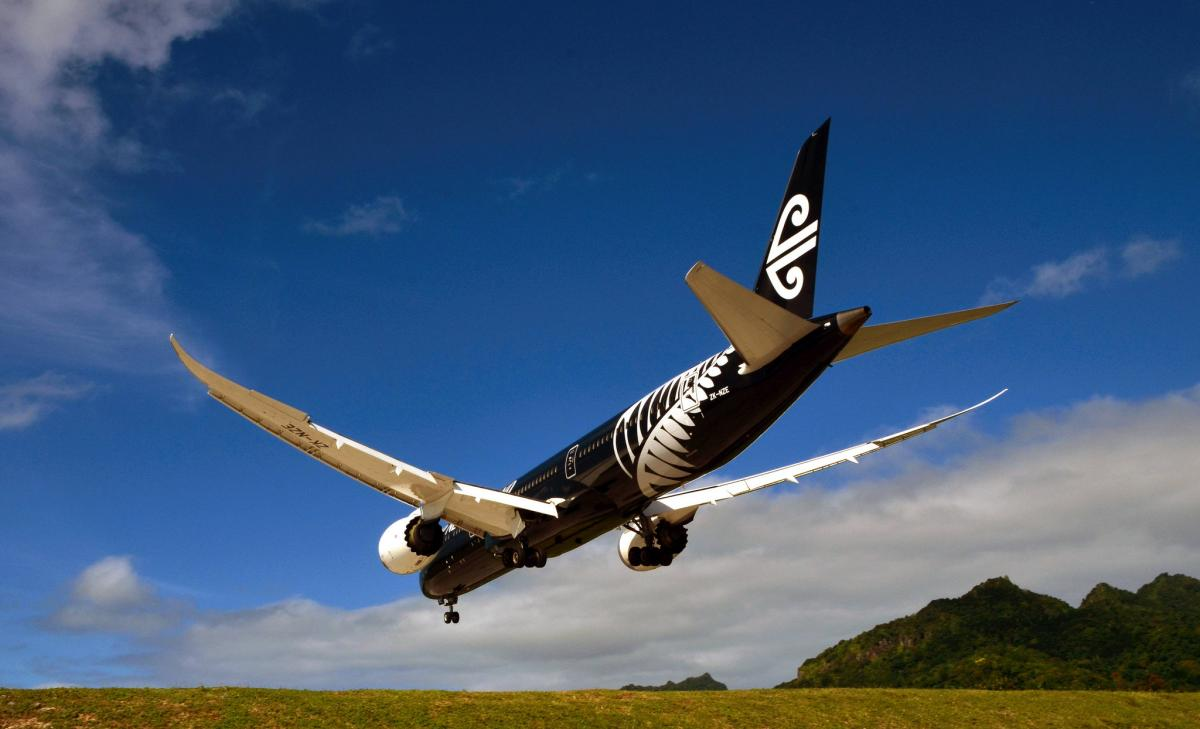E51BUO Air New Zealand Dreamliner, Rarotonga Island, Cook Islands. DX News