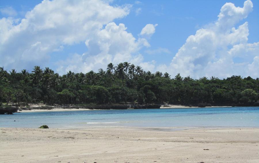 Остров Эфате Вануату YJ0AA YJ0FM Туристические достопримечательности Блю Хол Бич.