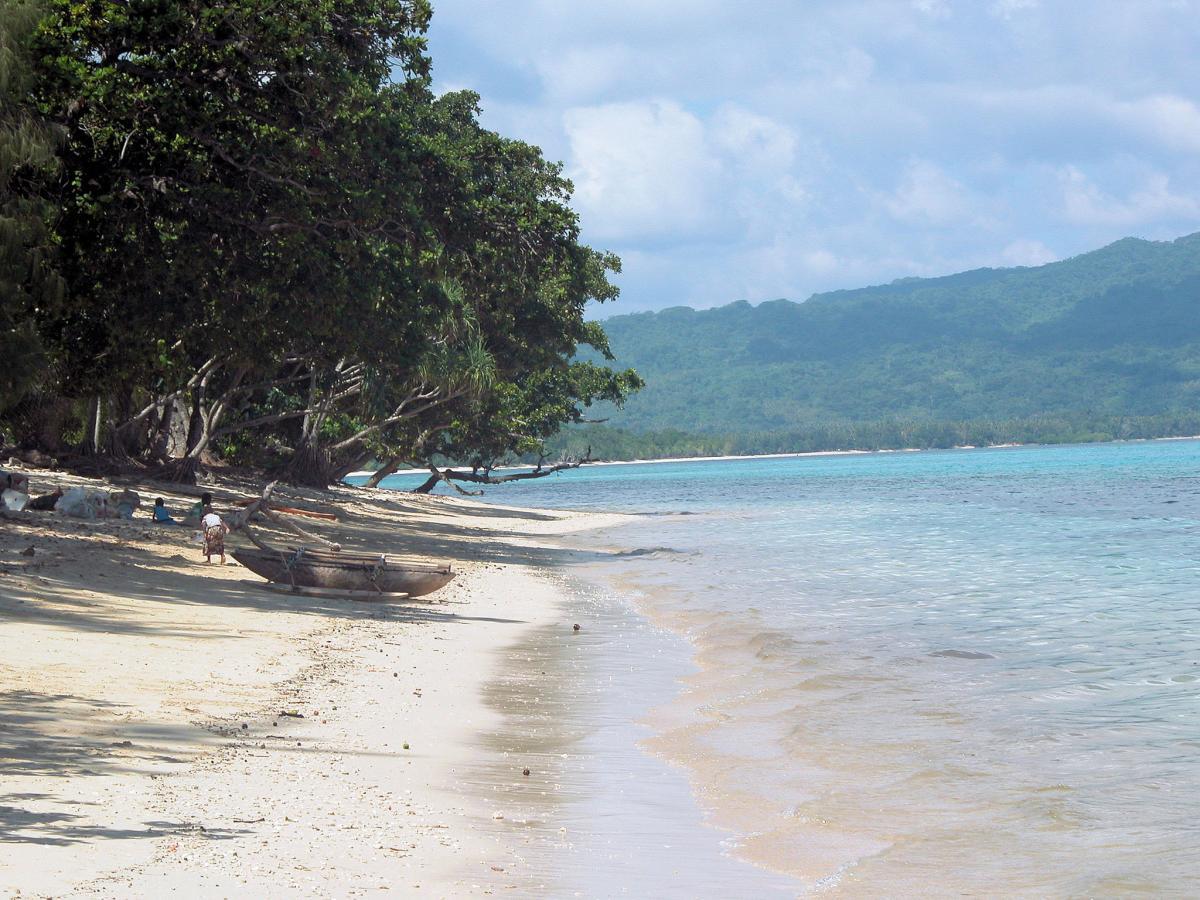 Efate Island YJ0G DX News