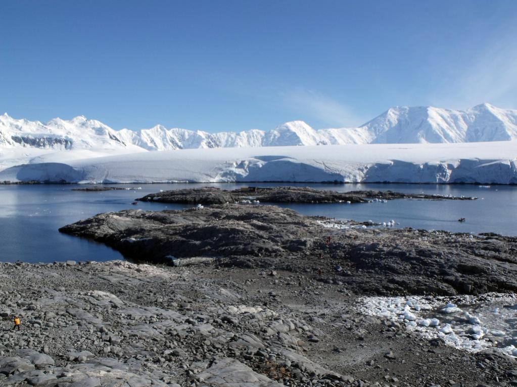 EM1UA EM1U Острова Биско, Антарктида. Туристические достопримечательности.