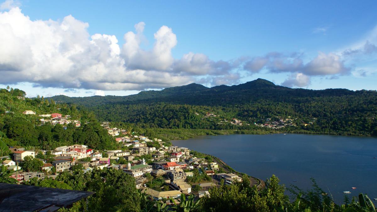 FH/UA4WHX Mayotte DX News