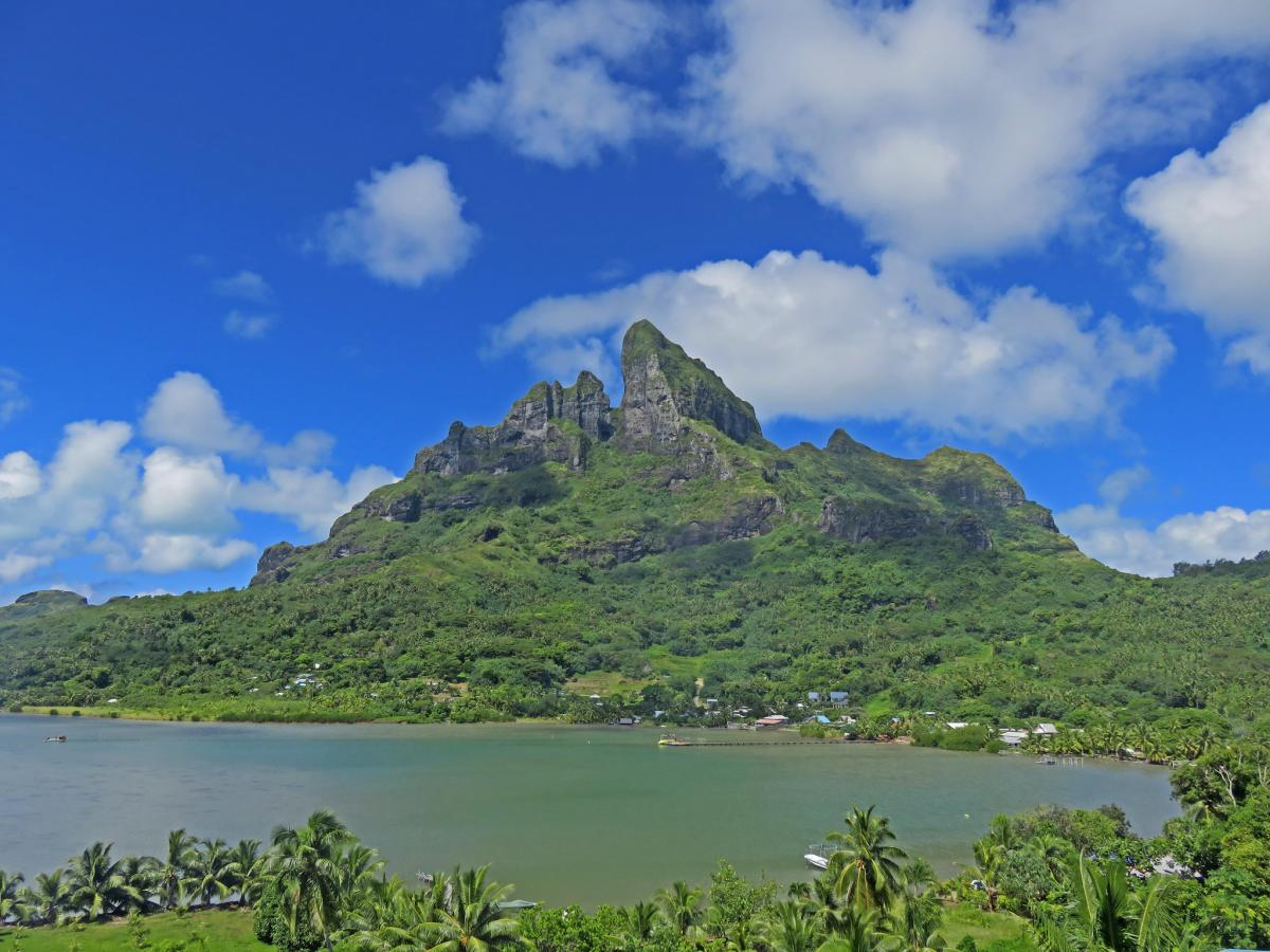 FO/W6NV Mount Otemanu, Papeete, Tahiti Island, French Polynesia