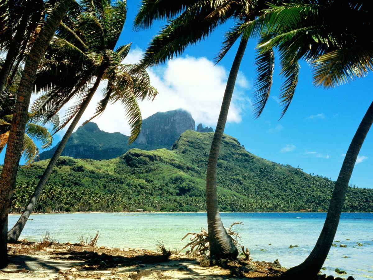 FO/KE1B Пик Отеману, остров Бора Бора, Французская Полинезия.
