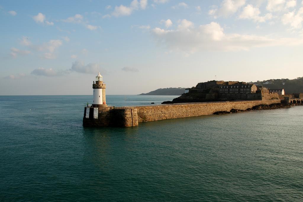 Guernsey Island MU/ON6EF MU/ON4AFW MU/ON6VJ DX News