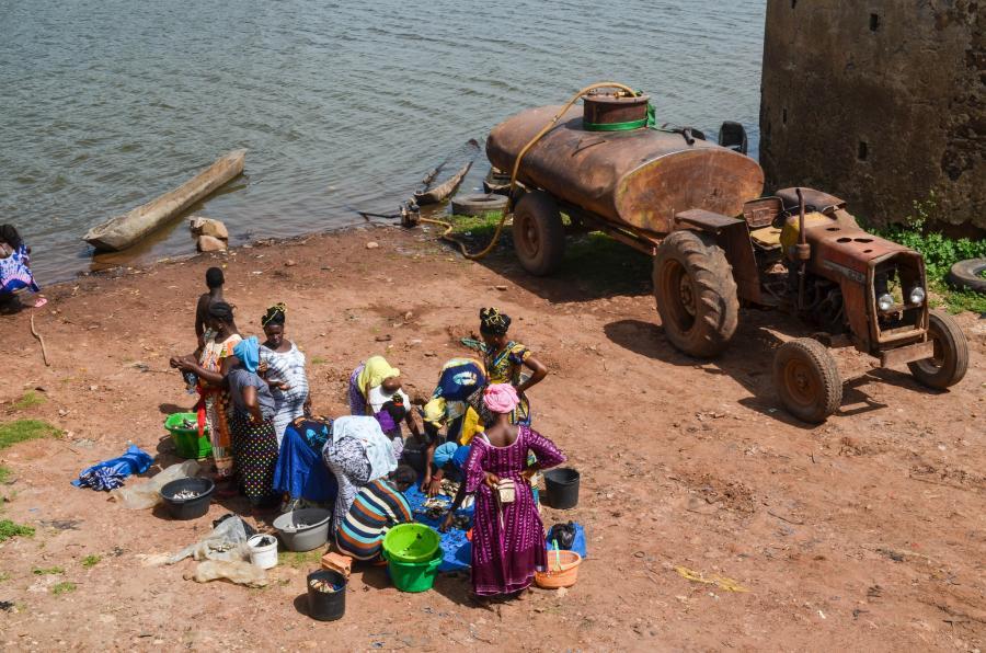 Гвинея Биссау J5UAP Рыбный рынок Бафата