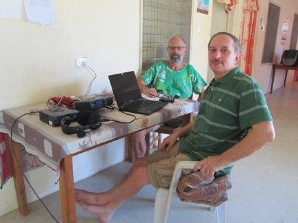 H44R/P Florida Islands Station setup (with Bernhard). VE3LYC DL2GAC