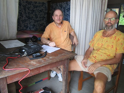 H44R Russell Islands VE3LYC DL2GAC At the operating table (with Bernhard).
