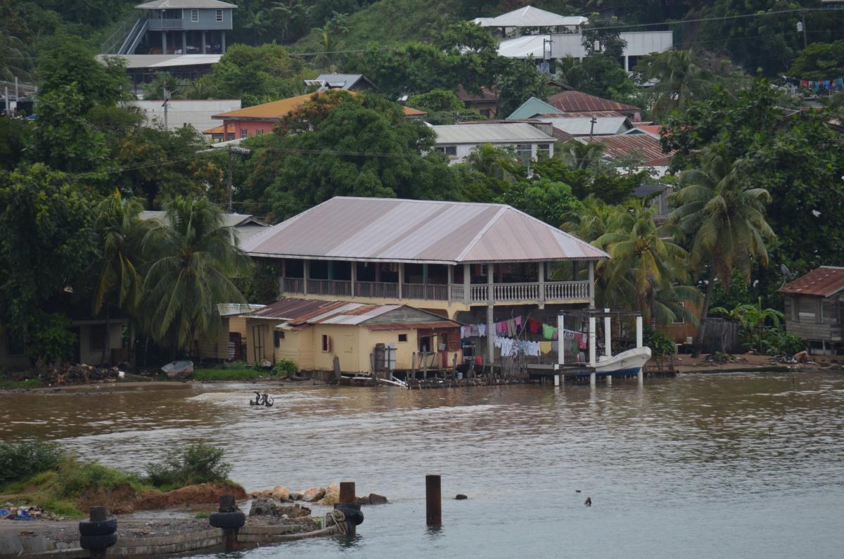 HQ9X HR9/W1UE HR9/K1XM HR9/KQ1F Остров Роатан, Гондурас