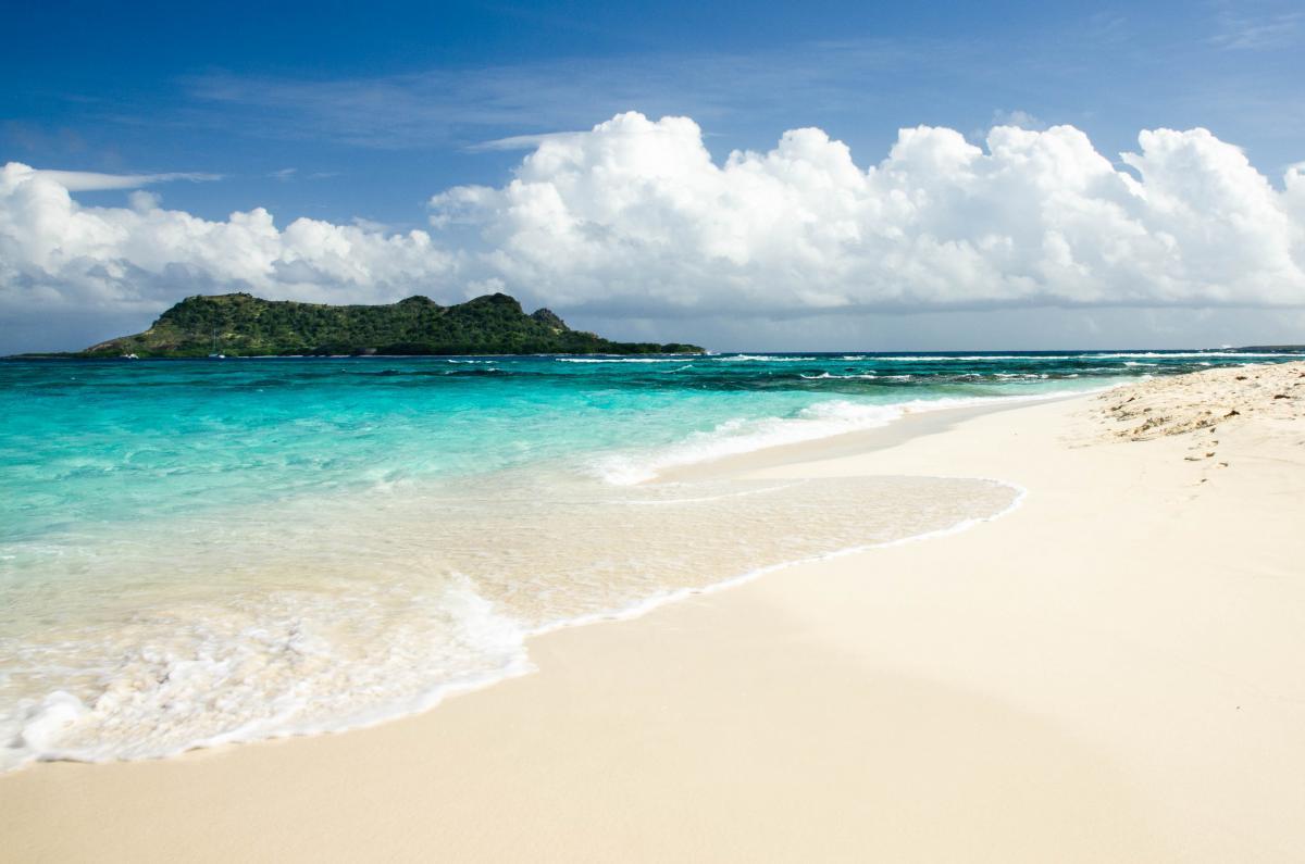 J3/KD2NOP Остров Карриаку Белый остров Гренада